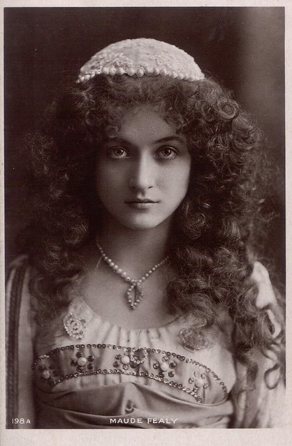 the gorgeous Maude Fealy as Juliet