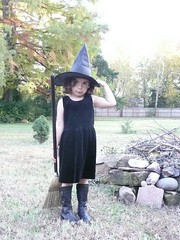 little witch (front)