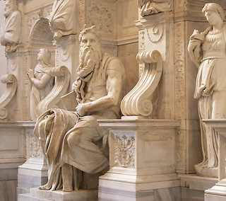 Moses (Michelangelo) の画像. italy sculpture rome roma art statue architecture nikon italia arte marble michelangelo statua architettura lazio coolpix4300 scultura michelangelobuonarroti marmo mosè latium sanpietroinvincoli