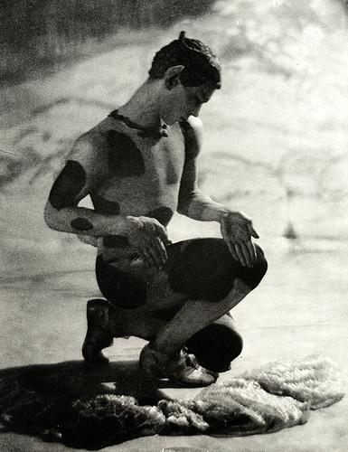 L'après-midi d'un faune - 1912 - Vaslav Nijinski