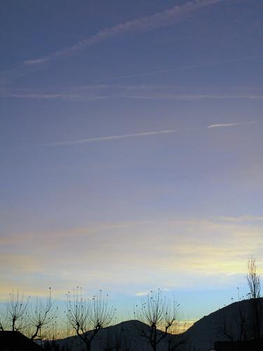 sky clouds sunrise geneva himmel céu ciel cielo nuages nuvem 2008 thursday genève nube leverdusoleil wolden nikkor18200mmvr project366 nikkor18200mmf3556vr janeykay