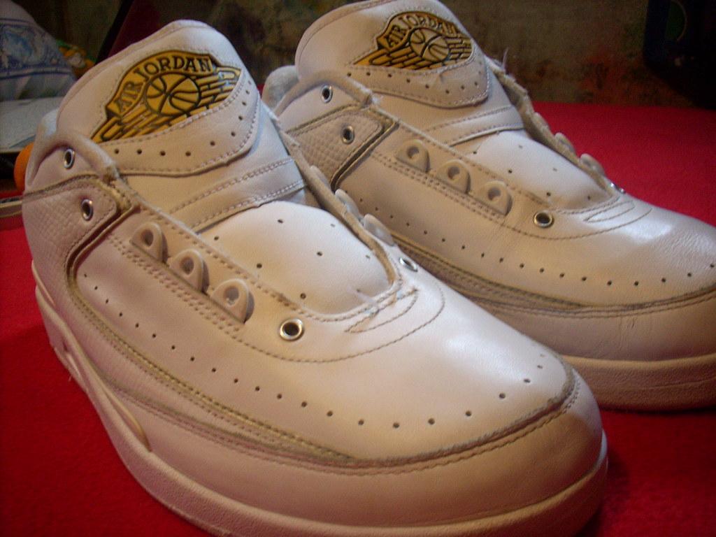 hot sale online e2221 97b8d ... Air Jordan 2 (II) Retro Low White   Metallic Silver - Varsity Maize