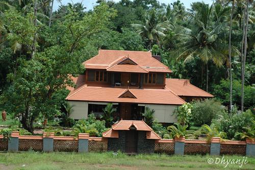 kerala house by dhyanji