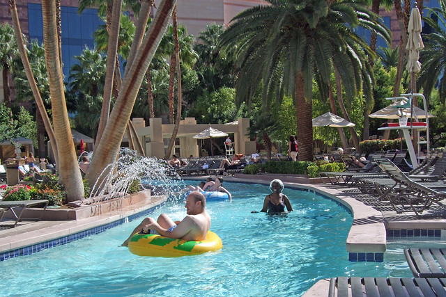 Mgm Grand Ct Indoor Pool