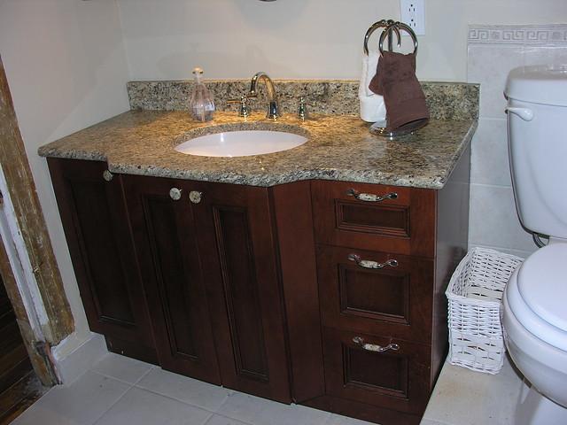 Bathroom vanities montreal bathroom vanities for Bathroom cabinets montreal