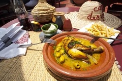 Tajine poulet au citron (at Terrasse des Epices: excellent!)