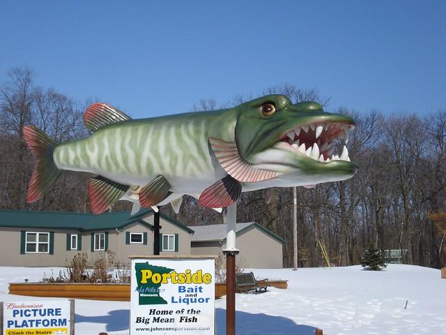 Big mean muskie portside bait and liquor isle mn for Big fish princeton