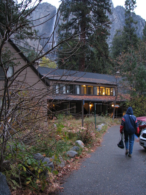 yosemite lodge from this perspective yosemite falls can. Black Bedroom Furniture Sets. Home Design Ideas