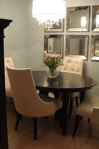 Decorating with mirrors for Small dining room wall decor