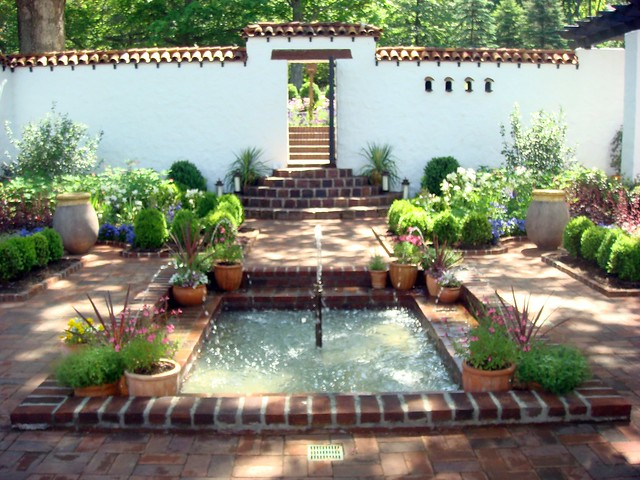 Spanish Courtyard at Froh Heim
