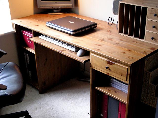 Ikea u cmatteusu d solid wood work desk u dallaku d swivel chairu flickr