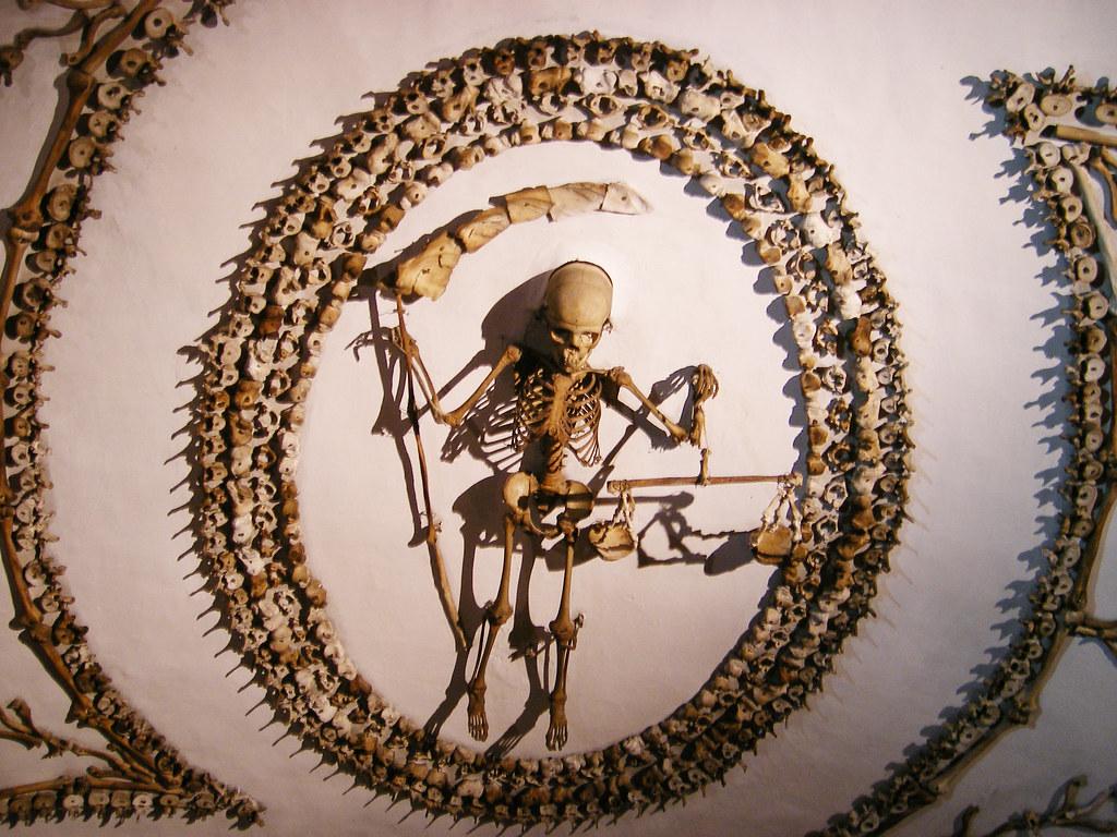 Esqueleto con guadaña