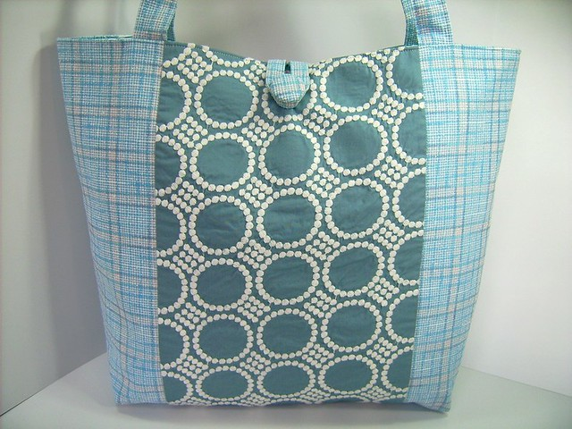 REVERSIBLE TOTE BAG IN GRAYISH BLUES