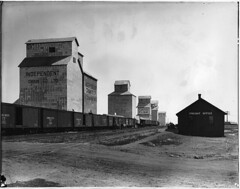 Grain elevators and train, Claresholm, AB, 1918