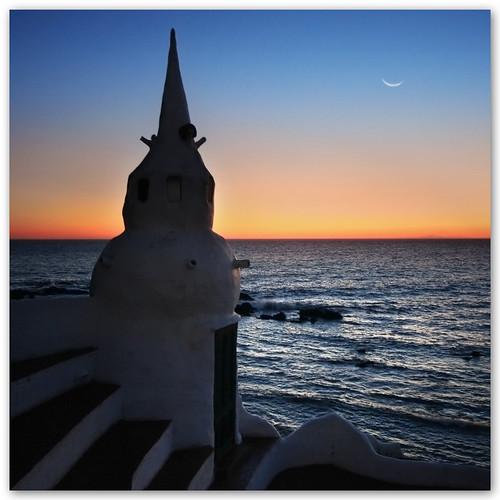 sunset moon architecture uruguay atardecer arquitectura bravo luna atlanticocean maldonado casapueblo puntaballena océanoatlántico becausethenight alhambra2006 silviadeluque infinestyle maspallailla