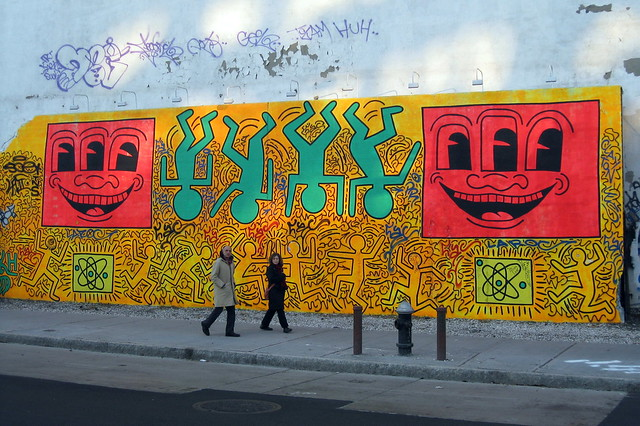 Nyc east village bowery mural tribute to keith haring for Bowery mural nyc