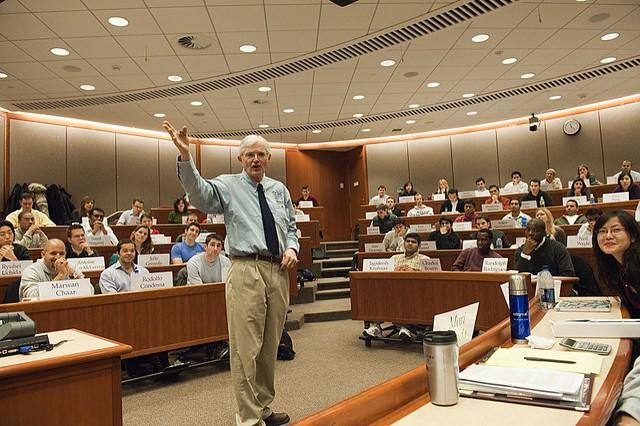 Photo:harvard business school - professor joe lassiter By:Christopher.Michel