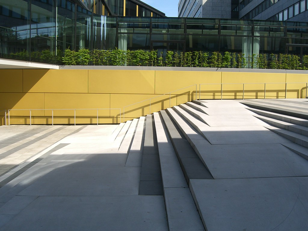 8 amazing examples of ramps blended into stairs twistedsifter for Architectural stairs