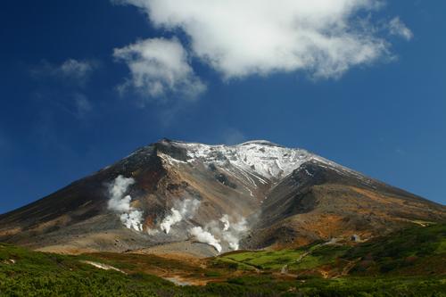 旭岳 -- Asahidake Mountain