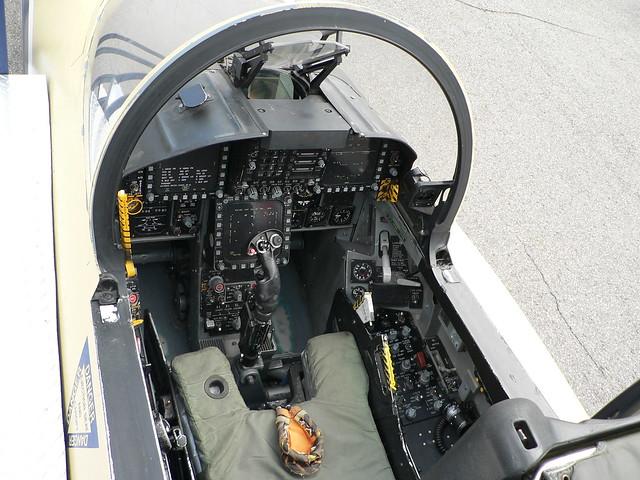 F 18 Cockpit Layout 14 cockpit f 18...