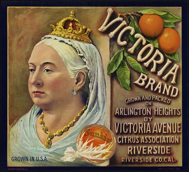 Victoria Brand: Grown and packed on Arlington Heights by Victoria Avenue Citrus Association, Riverside, Riverside Co. Cal.