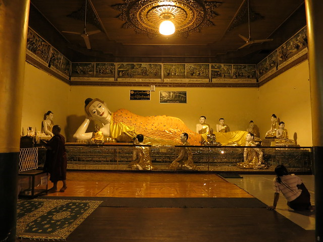 Myanmar: Yangon Shwedagon Pagoda