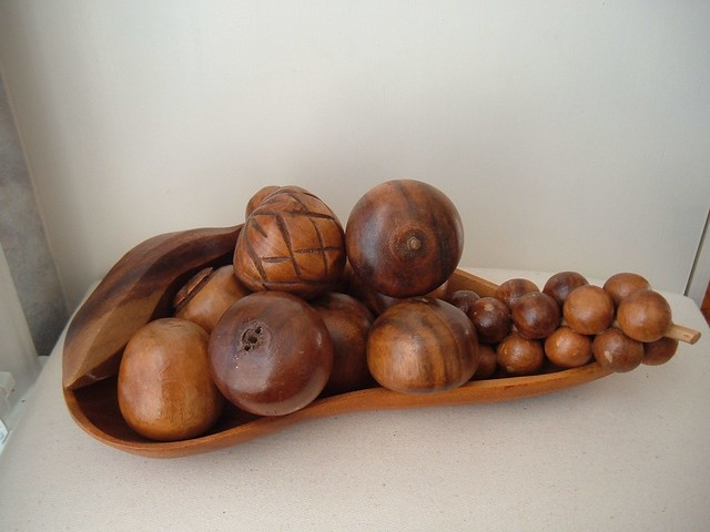 Vintage carved wooden fruit and bowl what a perfect
