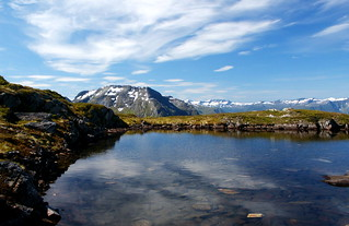 Lake_on_Norwegian_Mountain