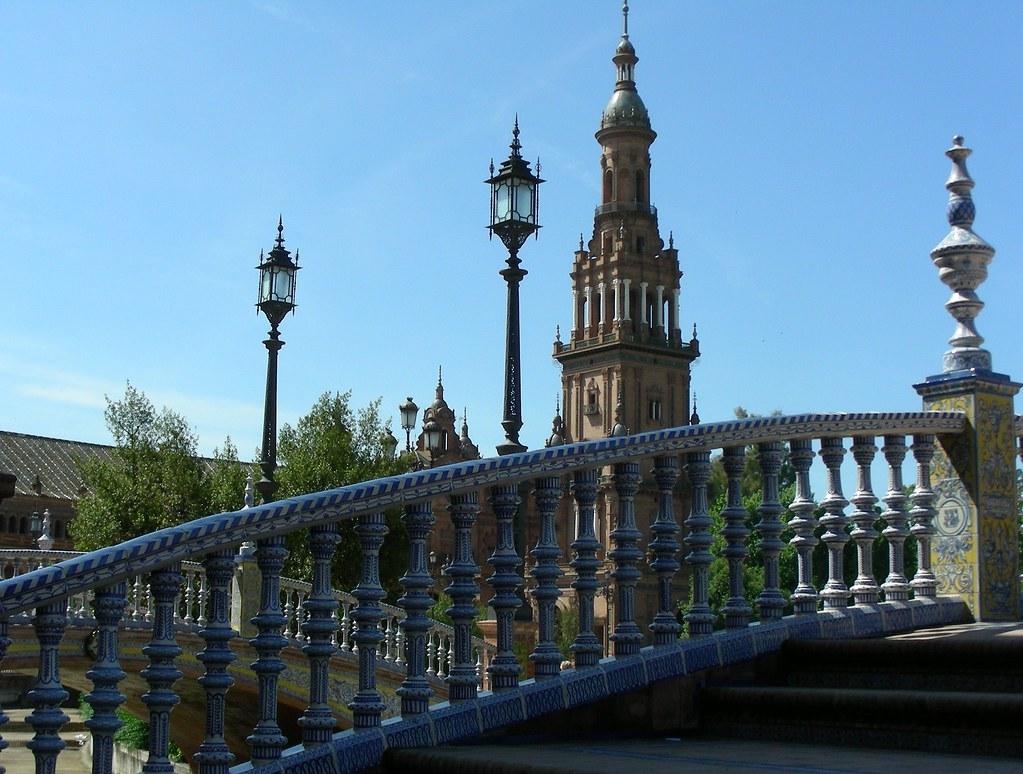 Plaza de espa a de sevilla arquitectura turismo y cine for Sitios divertidos en madrid