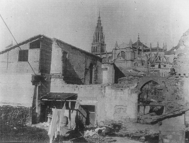 Catedral vista desde cerca de San Lorenzo a comienzos del siglo XX