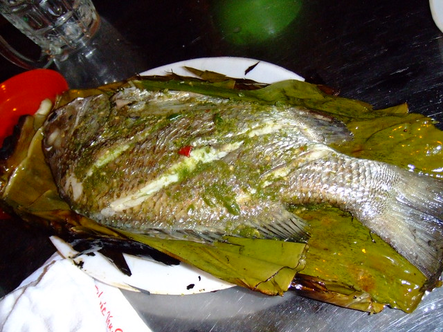 grilled whole fish on banana leaf steamy kitchen recipes grilled whole ...