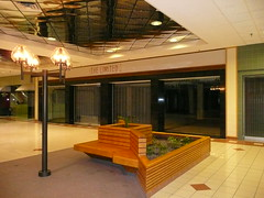 Overland Park, KS Metcalf South Shopping Center (a dead mall) the Limited