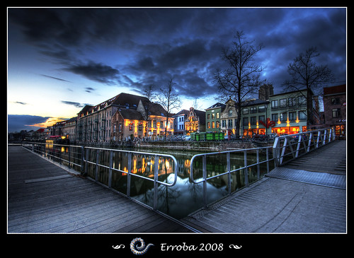 bridge blue trees houses sunset sky orange green water clouds photoshop canon reflections belgium superb tripod sigma citylights tips 1020mm erlend hdr pathway mechelen masterpiece vismarkt themoulinrouge dijle 3xp photomatix tonemapped tonemapping 400d superbmasterpiece diamondclassphotographer ysplix great123 erroba robaye erlendrobaye