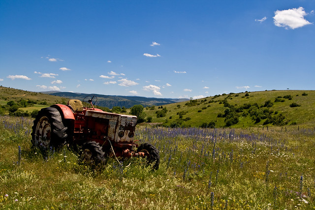 Tractor Broke Down : Broken down tractor in the gorges du tarn flickr photo
