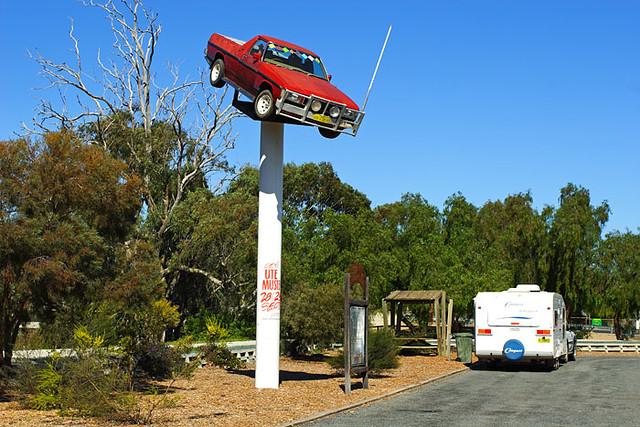 Deniliquin Australia  city photos : Deniliquin, New South Wales, Australia, ute on a pole IMG 4095 ...