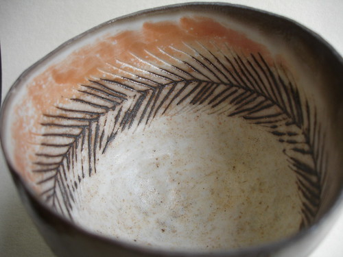 Bowl with feathery pattern - inside