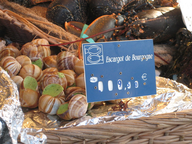 escargot at market