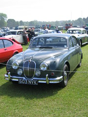 executive car(0.0), convertible(0.0), automobile(1.0), automotive exterior(1.0), daimler 250(1.0), jaguar mark 2(1.0), vehicle(1.0), jaguar mark 1(1.0), mitsuoka viewt(1.0), sedan(1.0), vintage car(1.0), land vehicle(1.0), luxury vehicle(1.0), jaguar s-type(1.0),
