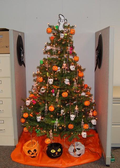 Halloween Tree! | A co-worker put up a Halloween Tree ...