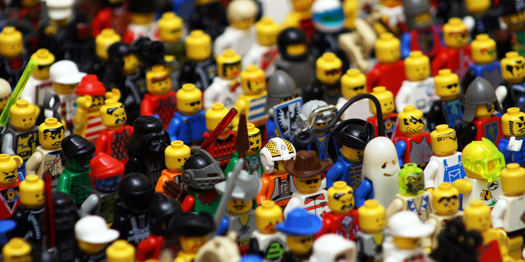 Lego Throng Wide by MrBobDobolina, on Flickr