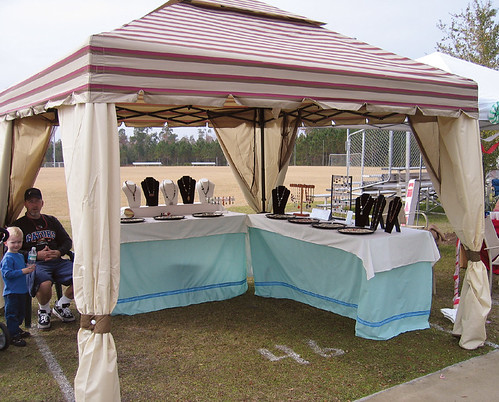Lorelei 39 s blog jewelry booths for Display tents for craft fairs