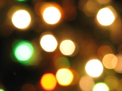 christmas light yellow woodland lights washington blurry wa canons3