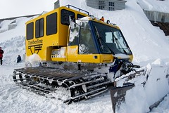 winter(1.0), vehicle(1.0), transport(1.0), snow(1.0), snow removal(1.0), snowplow(1.0),
