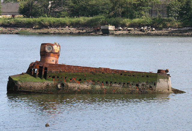YELLOW SUBMARINE (The Quester) in Coney Island Creek, in Brooklyn, New York, USA. 2008