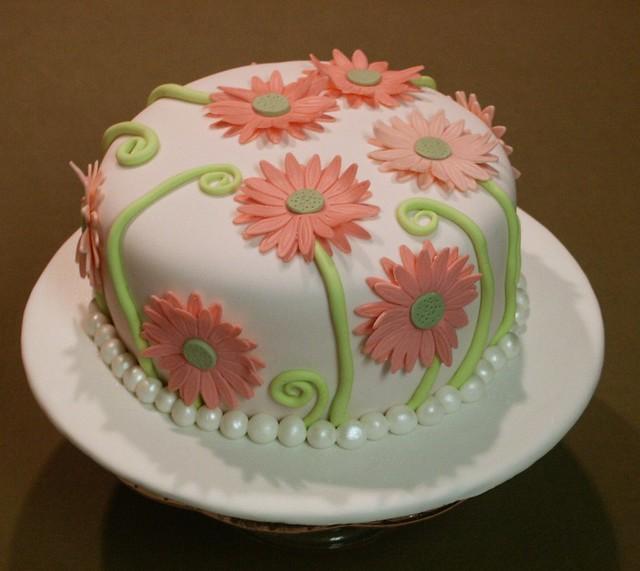 Fondant Cake Design Rosemount : My First Fondant Cake Flickr - Photo Sharing!