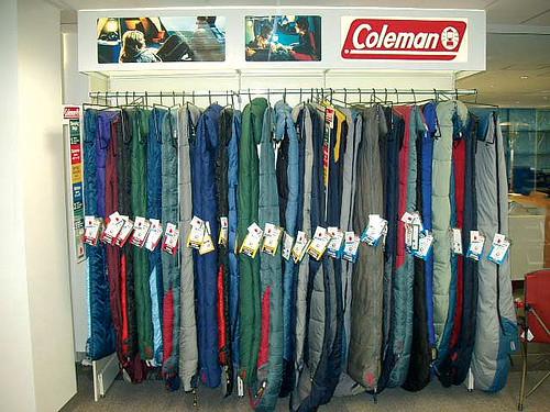 Las tiendas para ropa y mobiliario comercial caem - Estanterias para ropa ...