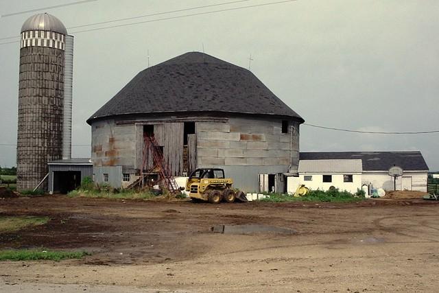 Wisconsin Vernon County Schmidt Round Barn 2 323c