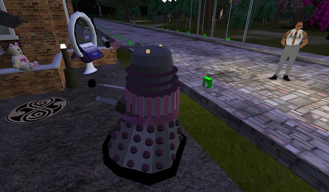Gay dalek. Relay for life