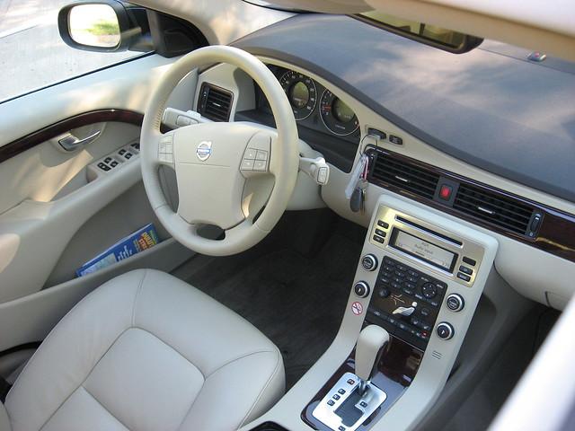 2008 Volvo V70 1