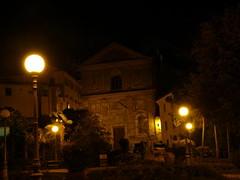 christmas decoration(0.0), christmas lights(0.0), landscape lighting(1.0), evening(1.0), light(1.0), street light(1.0), darkness(1.0), midnight(1.0), night(1.0), lighting(1.0),